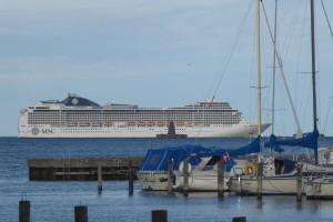 Ett av världens störta kryssningsfartyg